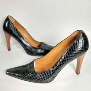 Vintage Gucci snakeskin pointy pumps 7 FIRM
